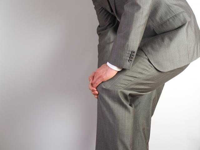 膝の痛み,立つ時
